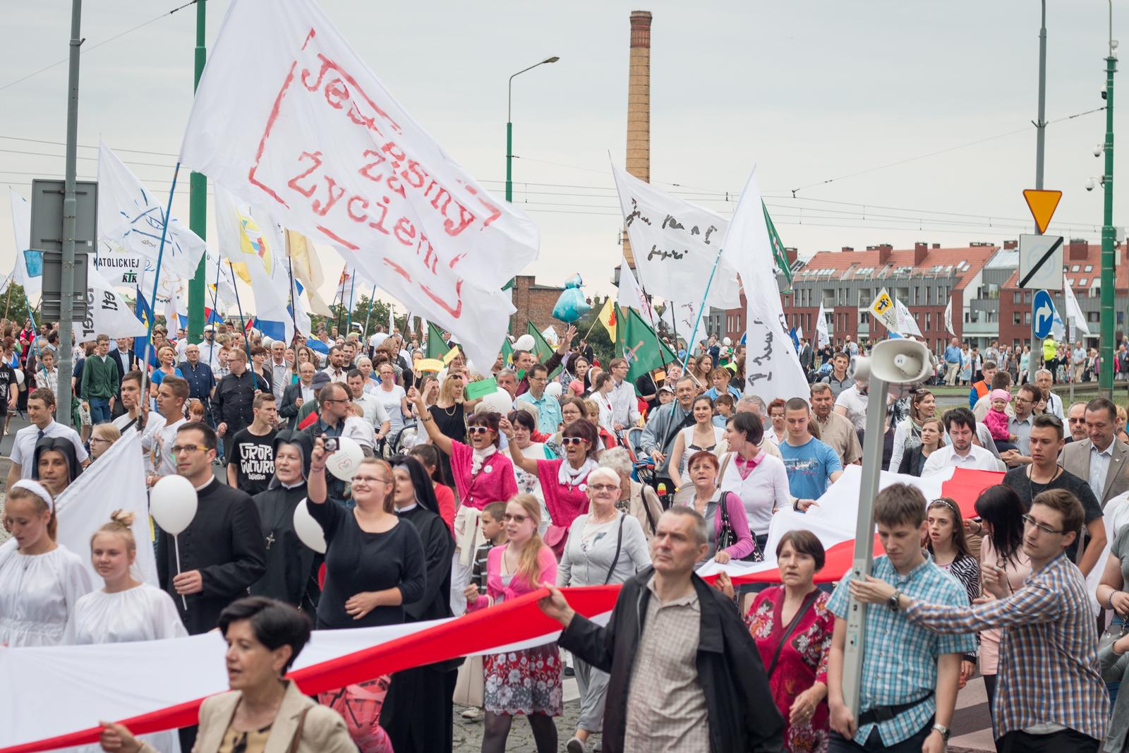 4 tys. osób na Marszu dla Życia w Poznaniu!