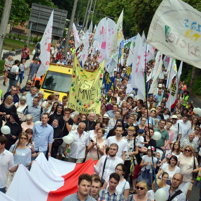 Tłumy Poznaniaków na Marszu dla Życia, fot. P. Rogal