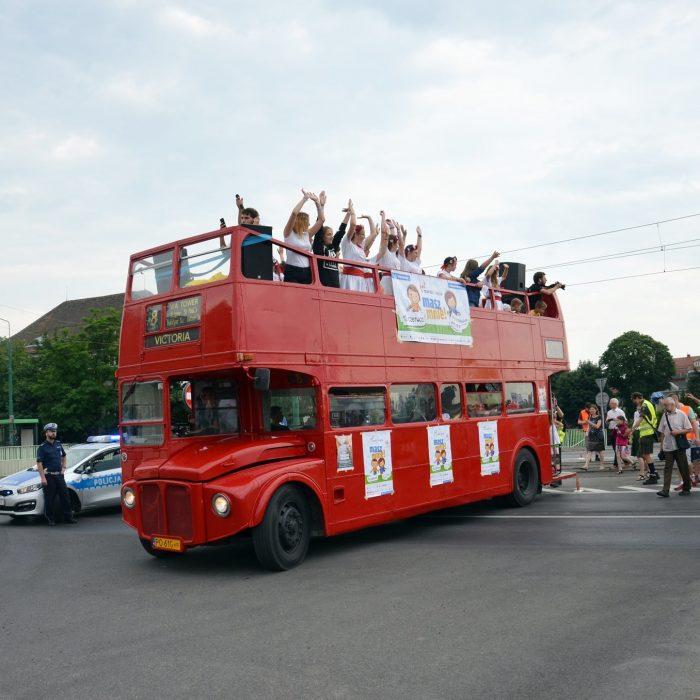 Jedną z tegorocznych atrakcji był wielki czerwony autobus, fot. P. Rogal